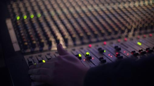 audio-1839162_640