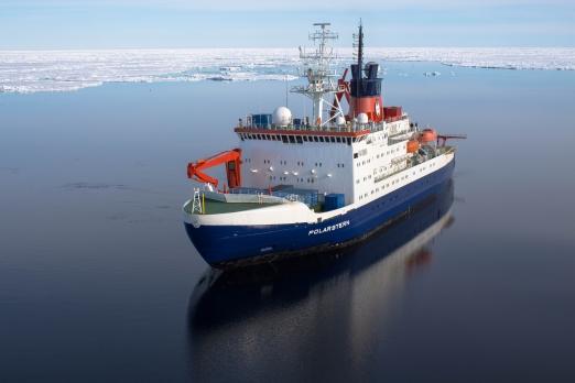 Polarstern über dem Gakkelrücken