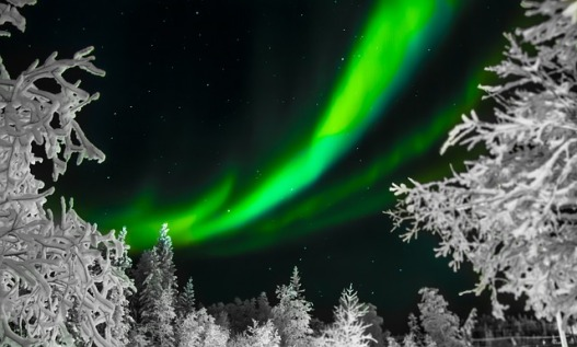 aurora-borealis-1712052_640