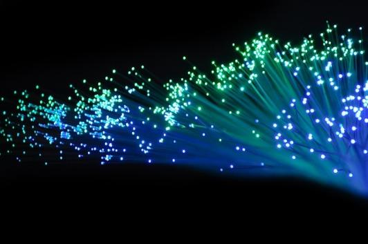 optical-fiber-2077976_640